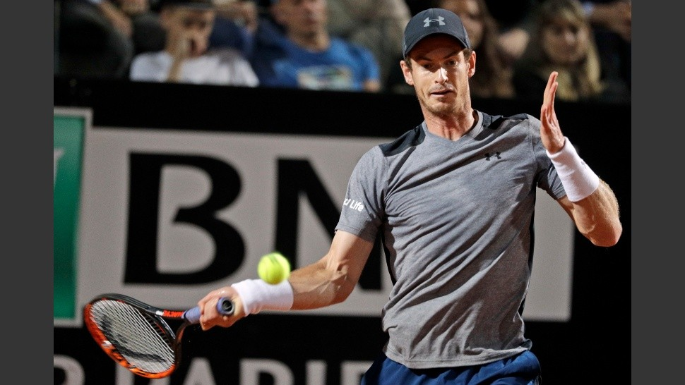 Andy Murray of Britain returns the ball to Fabio Fognini of Italy during the Italian Open tennis tournament, in Rome, Tuesday, May 16, 2017. (AP Photo/Andrew Medichini)